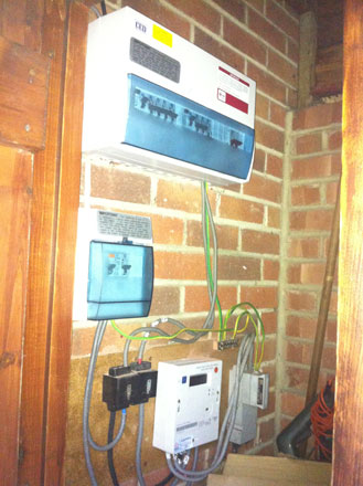 Search likewise Wiring 20of 20Single 20Phase 20Distribution 20Board as well Cooker Fuse Box besides 4 Way Consumer Unit furthermore Other Circuit Breakers. on trip switch in fuse box
